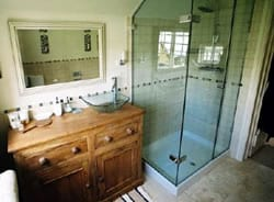 Farthing Corner bathroom