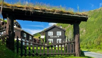 Classic Travelling Norwegian Fjords Tour