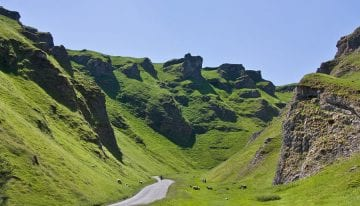 Classic Travelling Peak District Tour Winnats Pass